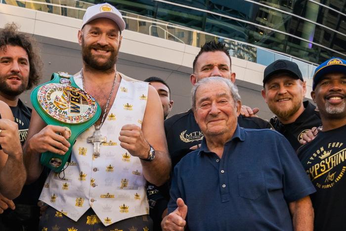 Nhận định, soi kèo, dự đoán trận Tyson Fury vs Deontay Wilder (tranh đai quyền Anh hạng nặng thế giới) - Ảnh 1.