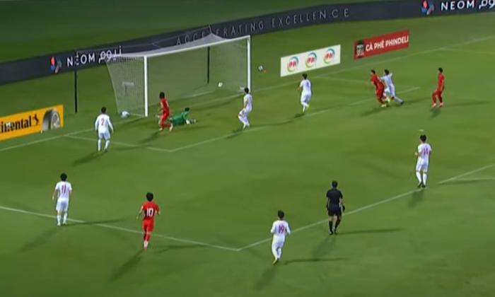 [Trực tiếp Vòng loại World Cup] Trung Quốc 0-0 Việt Nam (H1): KHÔNG VÀO! Quang Hải suýt ghi bàn từ chấm đá phạt - Ảnh 5.