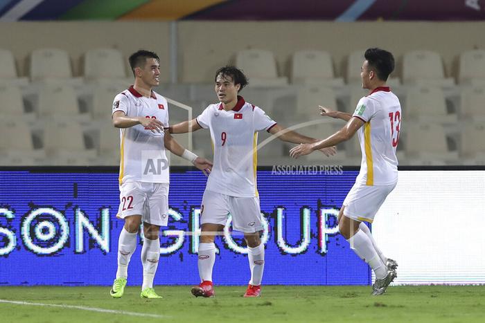 Xót xa: Quế Ngọc Hải, Duy Mạnh rơi nước mắt, đổ gục sau trận thua của đội tuyển Việt Nam - Ảnh 5.