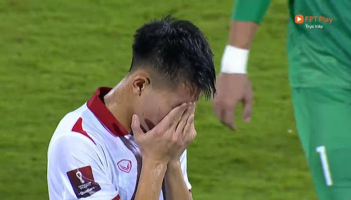 Xót xa: Quế Ngọc Hải, Duy Mạnh rơi nước mắt, đổ gục sau trận thua của đội tuyển Việt Nam - Ảnh 9.