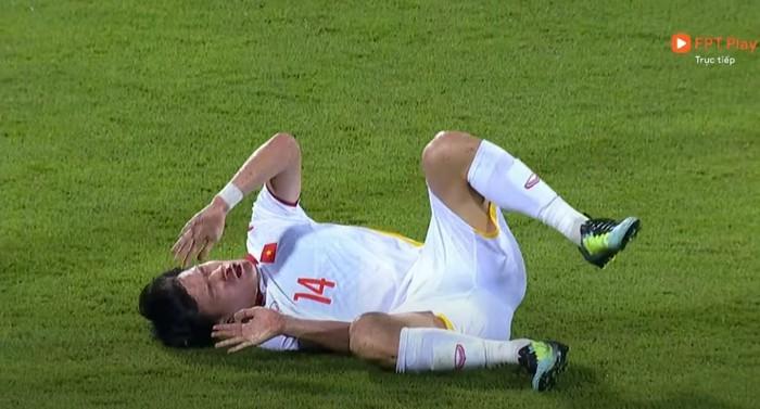 [Trực tiếp Vòng loại World Cup] Trung Quốc 0-0 Việt Nam (H1): KHÔNG VÀO! Quang Hải suýt ghi bàn từ chấm đá phạt - Ảnh 2.