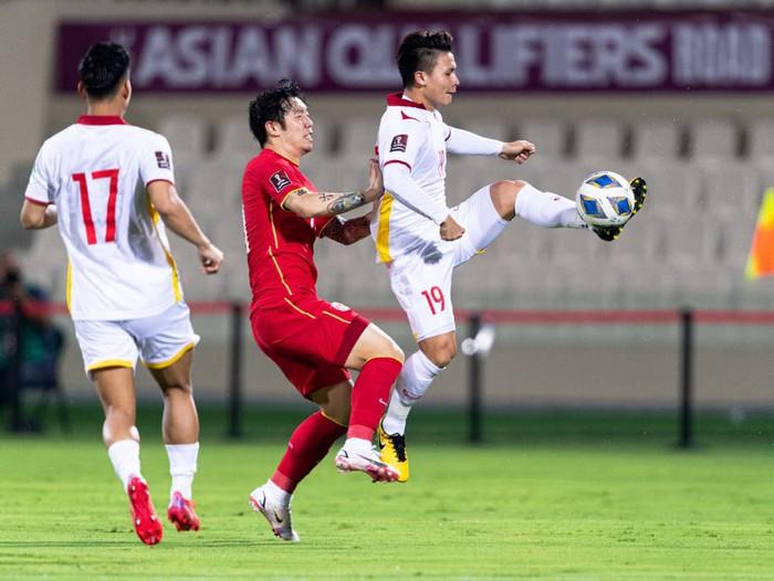 Bị Trung Quốc dẫn 2 bàn, tuyển Việt Nam gỡ hòa đầy quả cảm ở phút 90 nhưng vẫn thất bại khó tin - Ảnh 4.