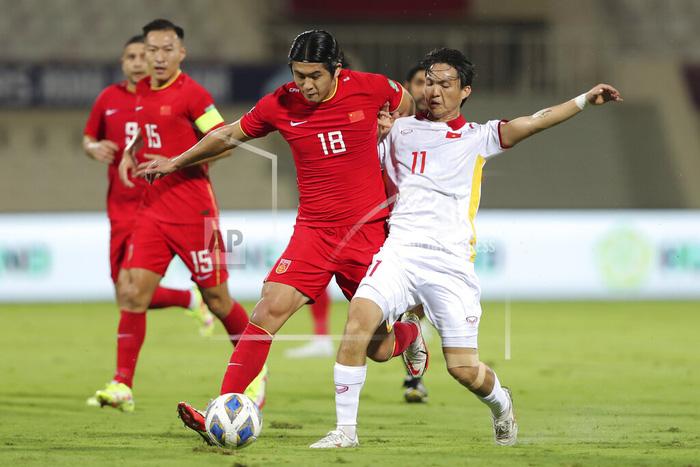 Những sai lầm chí mạng của HLV Park Hang-seo trong trận ĐT Việt Nam thua ĐT Trung Quốc - Ảnh 2.