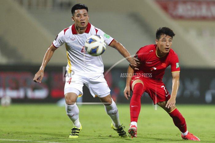 Xót xa: Quế Ngọc Hải, Duy Mạnh rơi nước mắt, đổ gục sau trận thua của đội tuyển Việt Nam - Ảnh 3.