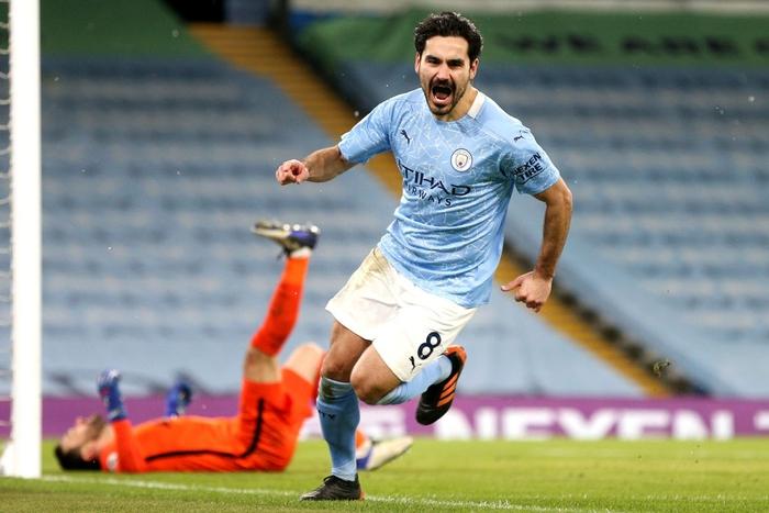 Đè bẹp thầy trò Mourinho, Man City bỏ xa MU tới 8 điểm - Ảnh 1.
