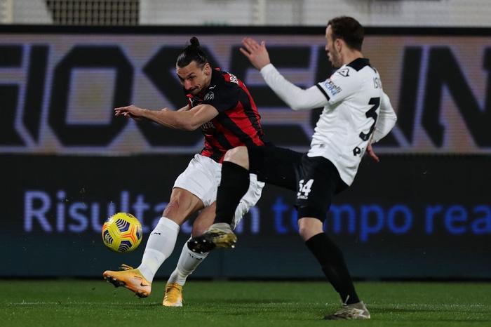 AC Milan thua sốc trên sân đội nửa cuối BXH - Ảnh 2.