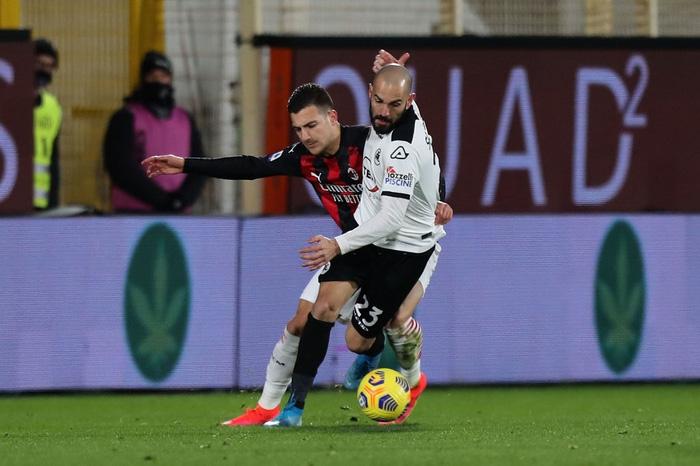 AC Milan thua sốc trên sân đội nửa cuối BXH - Ảnh 3.