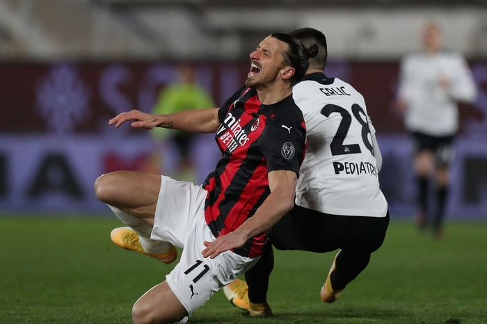 AC Milan thua sốc trên sân đội nửa cuối BXH - Ảnh 4.