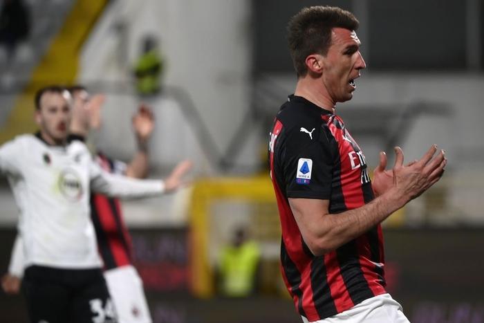 AC Milan thua sốc trên sân đội nửa cuối BXH - Ảnh 8.