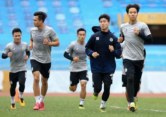 Quang Hải tạo dáng long trảo thủ ở buổi tập khai xuân của Hà Nội FC - Ảnh 5.