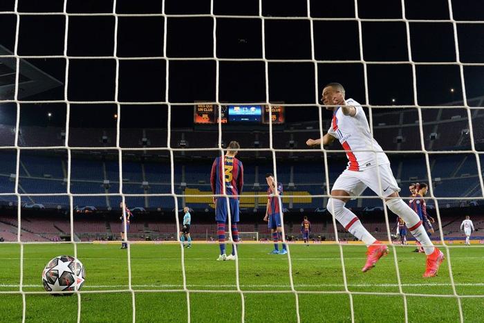 Mbappe ghi 3 bàn giúp PSG hủy diệt Messi và đồng đội ngay tại thánh địa Camp Nou - Ảnh 2.