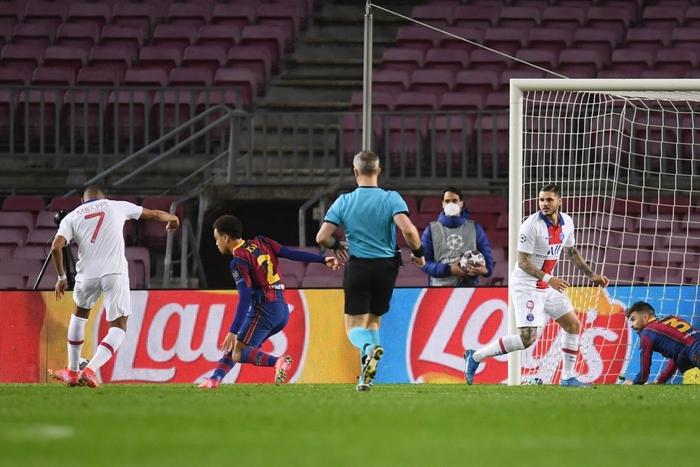 Mbappe ghi 3 bàn giúp PSG hủy diệt Messi và đồng đội ngay tại thánh địa Camp Nou - Ảnh 8.