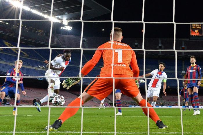 Mbappe ghi 3 bàn giúp PSG hủy diệt Messi và đồng đội ngay tại thánh địa Camp Nou - Ảnh 9.
