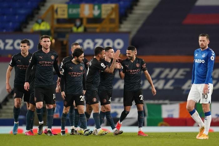 Man City bỏ xa MU tới 10 điểm sau chiến thắng thuyết phục trước Everton - Ảnh 9.