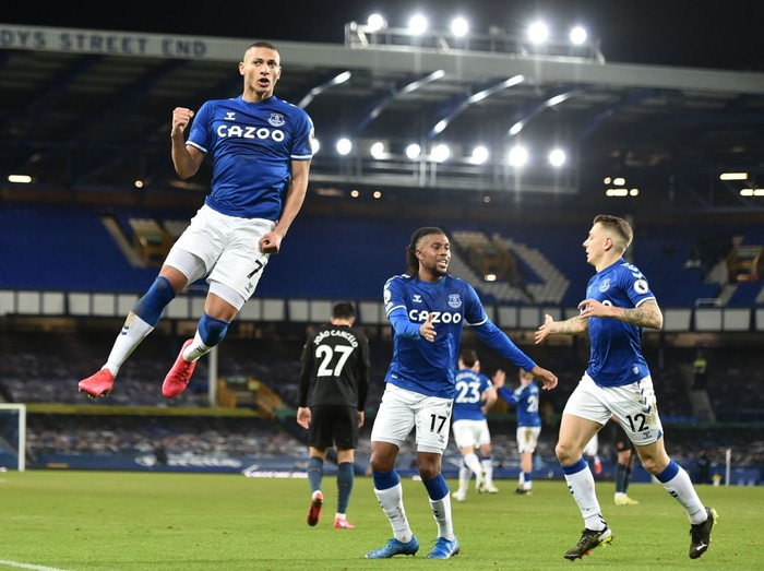 Man City bỏ xa MU tới 10 điểm sau chiến thắng thuyết phục trước Everton - Ảnh 4.