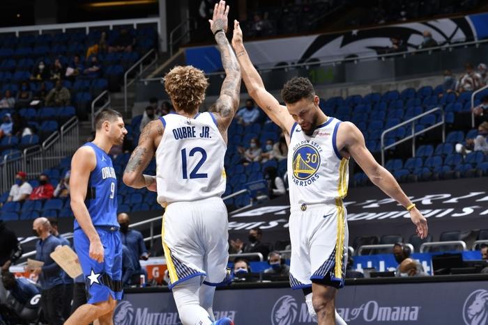 """""""Cầm vàng lại để vàng rơi"""", Golden State Warriors nhận thất bại đầy tiếc nuối - Ảnh 3."""