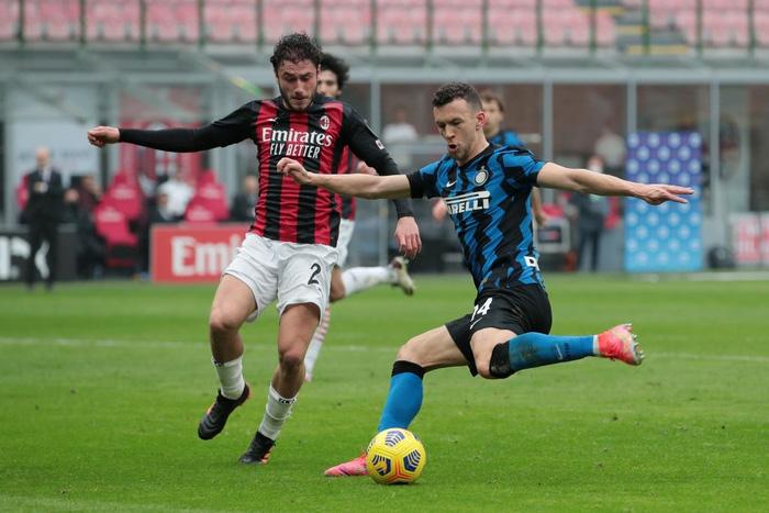 Song sát Lu - La chói sáng, Inter Milan quật ngã AC trong trận cầu 6 điểm tranh chức vô địch - Ảnh 3.