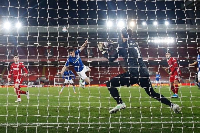 Thua trắng đại kình địch, Liverpool tái lập thảm họa trên sân nhà sau 98 năm - ảnh 6