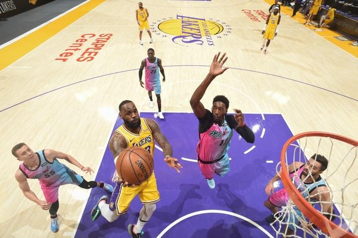 Los Angeles Lakers nhận thất bại đáng tiếc trước Miami Heat ngay tại STAPLES Center - Ảnh 2.