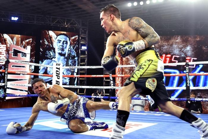 Hạ đo ván thuyết phục Miguel Berchelt, tay đấm bất bại Oscar Valdez giành về chiếc đai WBC danh giá - Ảnh 7.