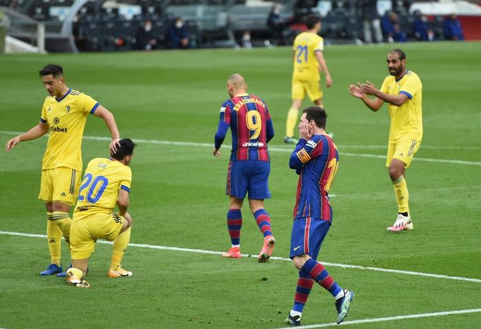 Messi ghi bàn, Barca vẫn ôm hận trước tân binh - Ảnh 7.