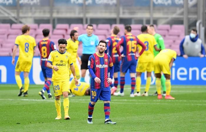Messi ghi bàn, Barca vẫn ôm hận trước tân binh - Ảnh 8.
