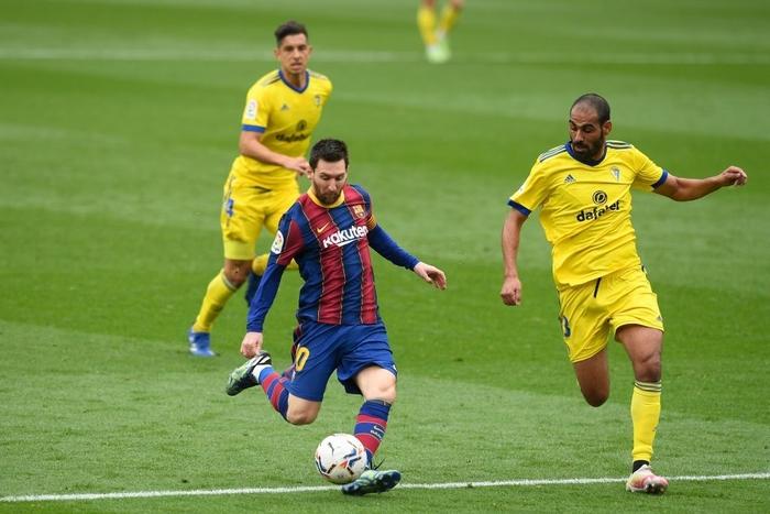 Messi ghi bàn, Barca vẫn ôm hận trước tân binh - Ảnh 3.