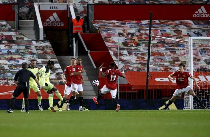 Marcus Rashford tỏa sáng giúp MU hạ Newcastle và nuôi hy vọng bám đuổi Man City - Ảnh 3.
