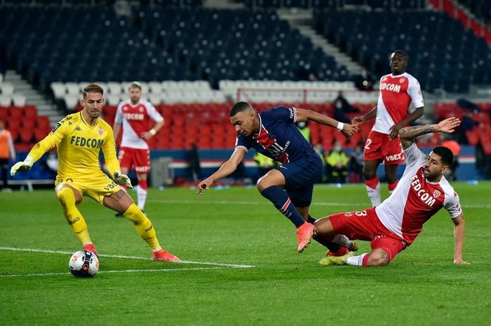 PSG sa lầy khi trở về Ligue 1 sau trận thua đội bóng cũ Mbappe - Ảnh 5.