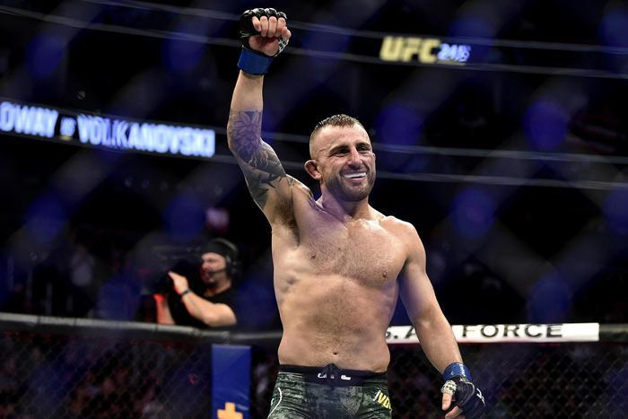 Henry Cejudo yêu cầu Dana White cho thượng đài cùng 3 nhà vô địch UFC: Không ai trụ nổi quá 2 hiệp với tôi - Ảnh 2.