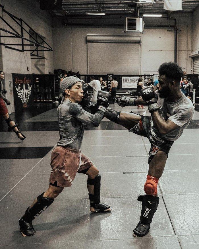 Ham hố tham gia thử thách Tiktok, võ sĩ UFC bỗng trở thành trò cười cho bạn gái - Ảnh 3.