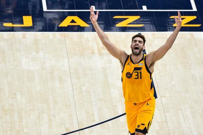 """Utah Jazz làm nên lịch sử giải đấu trong ngày """"hủy diệt"""" Charlotte Hornets - Ảnh 2."""