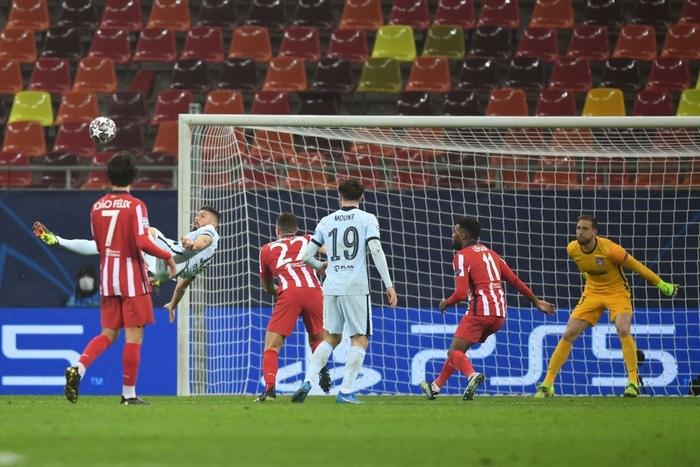 Giroud ghi siêu phẩm giúp Chelsea đánh bại Atletico Madrid - Ảnh 1.