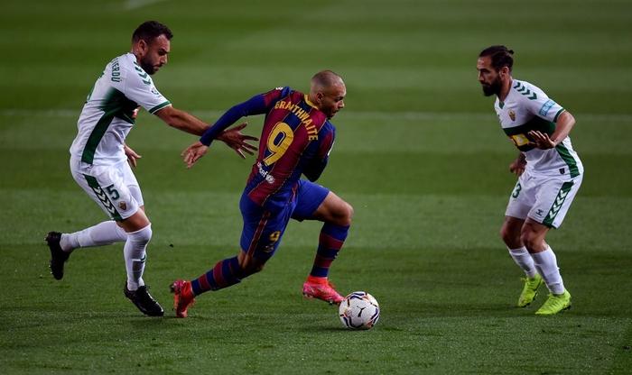 Messi tỏa sáng giúp Barca gỡ thế bế tắc trước đội áp chót La Liga - Ảnh 2.