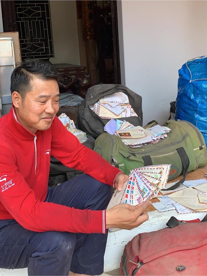 Huyền thoại Nguyễn Hồng Sơn nhận là tỷ phú với gia tài có 1-0-2 của bóng đá Việt - Ảnh 1.