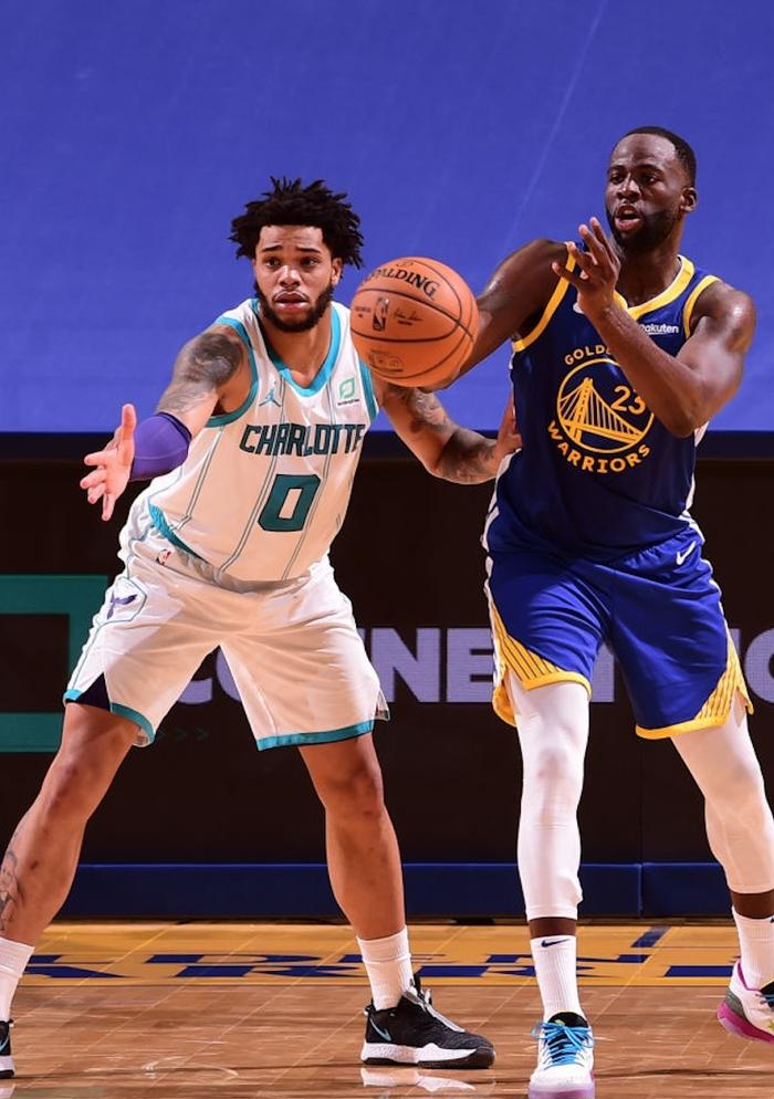 """Golden State Warriors """"dạo chơi"""" trước Charlotte Hornets trong ngày Draymond Green lập kỉ lục cá nhân - Ảnh 1."""