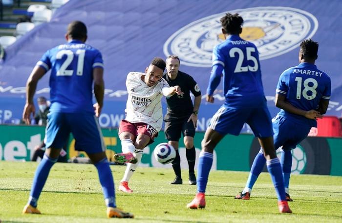 Hạ bệ cựu vương, Arsenal giúp MU giữ vững vị trí thứ 2 Ngoại hạng Anh - Ảnh 8.