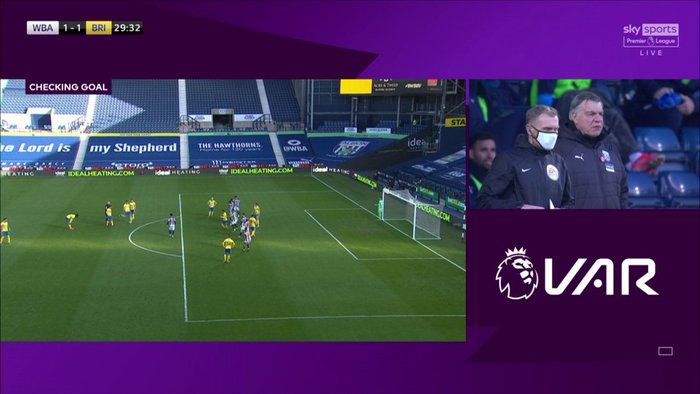 Thảm họa trọng tài Premier League: Hai lần bẻ còi với 1 tình huống - ảnh 8