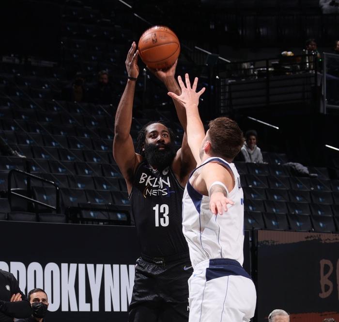 Kristap Porzingis trở lại giúp Dallas Mavericks cắt chuỗi thắng của Brooklyn Nets - Ảnh 3.
