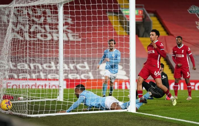 Liverpool bị Man City hủy diệt ngay tại Anfield bởi cú đúp sai lầm của 1 cái tên khó ngờ tới - Ảnh 8.