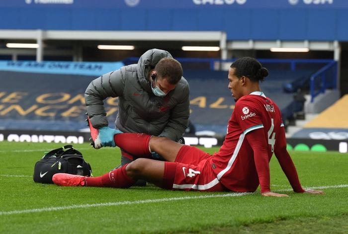 Hàng thủ Liverpool chỉ là nạn nhân của sự vắt kiệt từ HLV Jurgen Klopp - Ảnh 2.