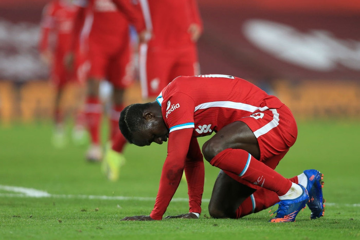 Hàng thủ Liverpool chỉ là nạn nhân của sự vắt kiệt từ HLV Jurgen Klopp - Ảnh 4.