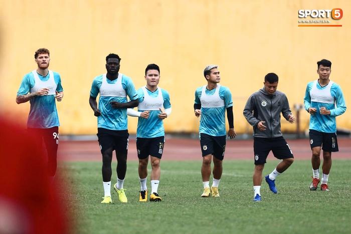 CLB Hà Nội tập luyện chuẩn bị cho trận đấu gặp đội đầu bảng Hải Phòng FC - Ảnh 3.