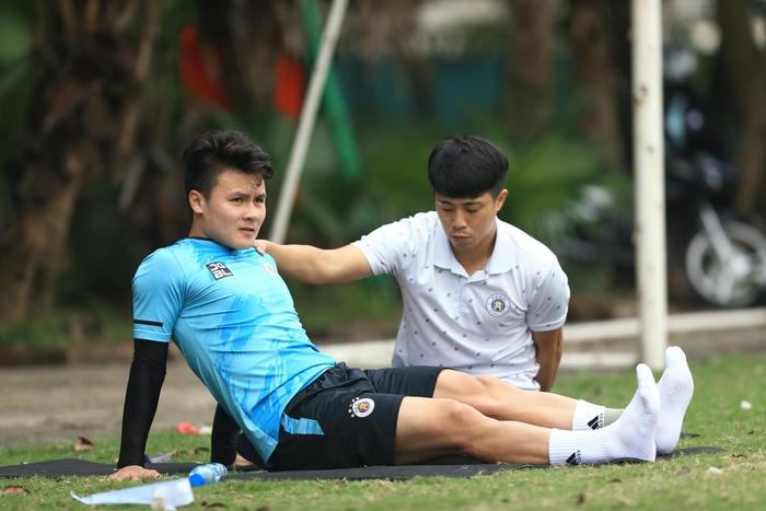 """Quang Hải trở nên """"mong manh dễ vỡ"""", tuyển Việt Nam và Hà Nội FC cảnh giác - Ảnh 1."""