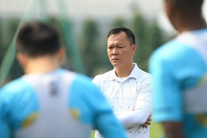 Quang Hải lủi thủi tập riêng, Hà Nội FC giữ tinh thần lạc quan trước trận đấu gặp Hải Phòng - Ảnh 7.