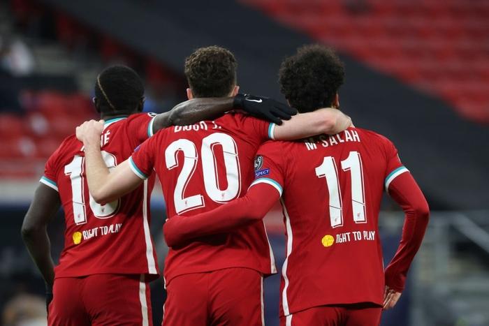 Tam tấu S-M-J tỏa sáng, Liverpool vào Tứ kết Champions League - Ảnh 1.