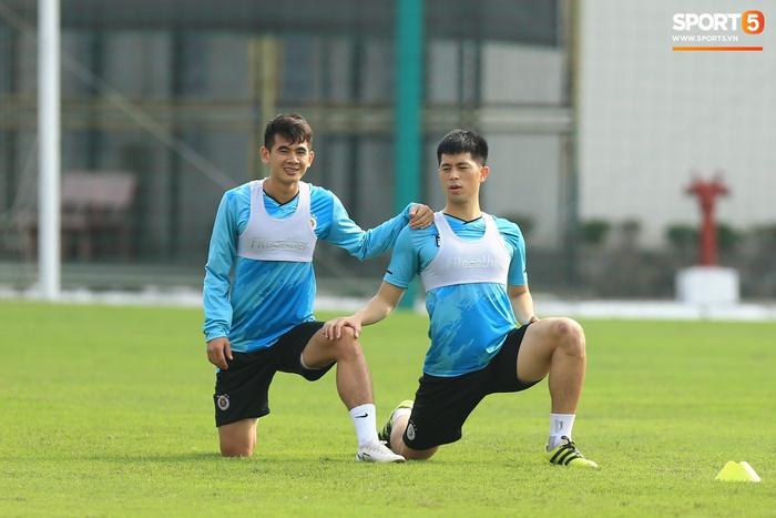 Quang Hải lủi thủi tập riêng, Hà Nội FC giữ tinh thần lạc quan trước trận đấu gặp Hải Phòng - Ảnh 6.