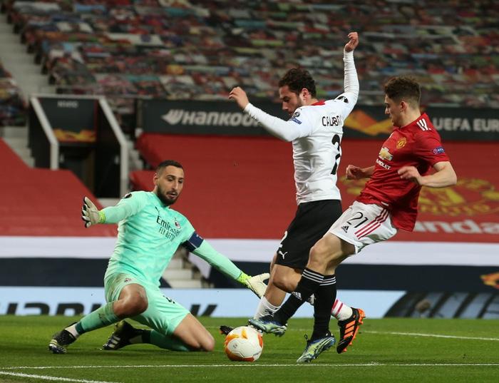Bị AC Milan chọc thủng lưới phút bù giờ, MU gặp bất lợi ở vòng 1/8 Europa League - Ảnh 7.