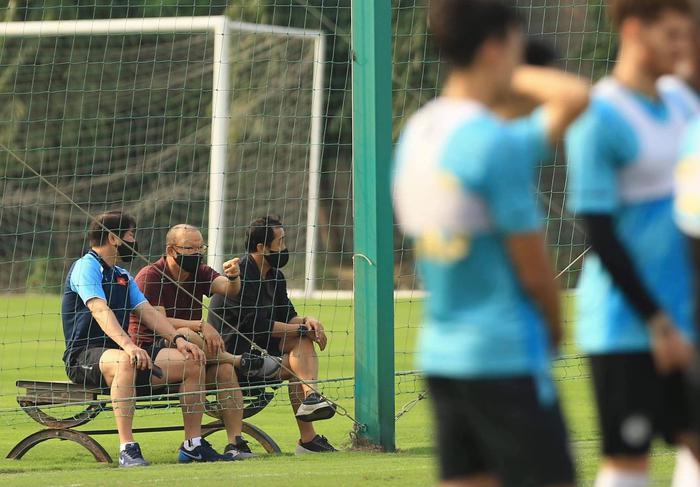 HLV Park Hang-seo mời trợ lý CLB HAGL lên tuyển Việt Nam làm việc - Ảnh 2.