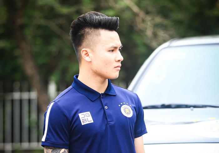 Hà Nội FC tuýt còi trò chơi điện tử sử dụng trái phép hình ảnh Quang Hải - Ảnh 2.